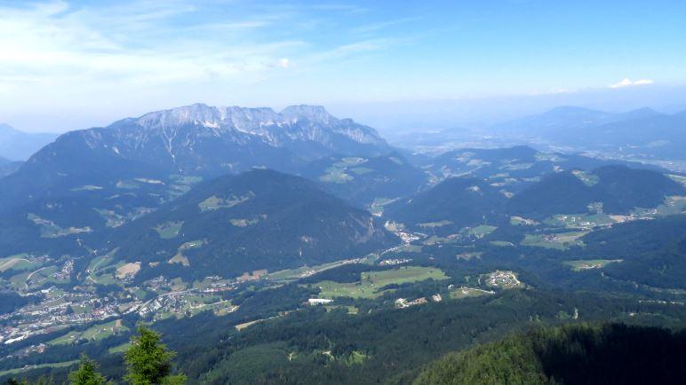 Der Blick vom Kehlstein auf Berchtesgaden und den Untersberg