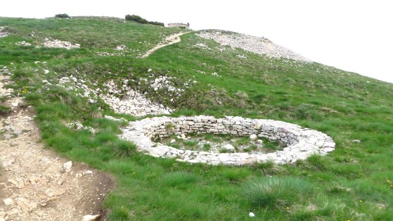 In diesen Steinkreisen standen wohl früher Geschütze