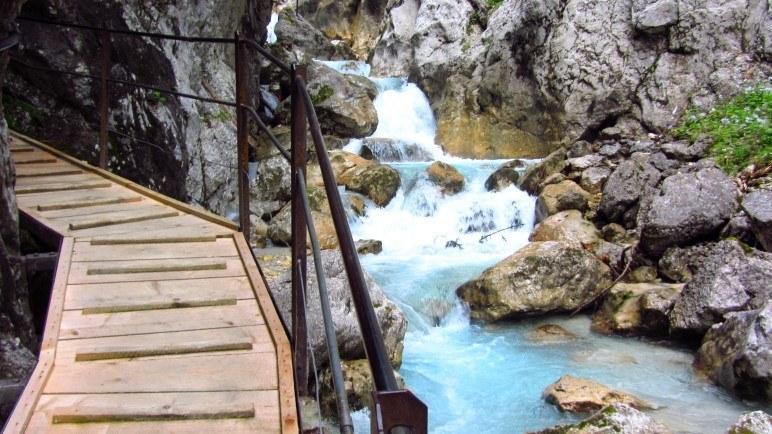 Klammwanderung: Hier in der Höllentalklamm bei Garmisch-Partenkirchen