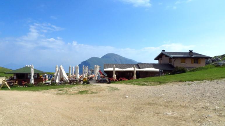 Die Berghütte La Capannina nahe der Bergstation der Seilbahn