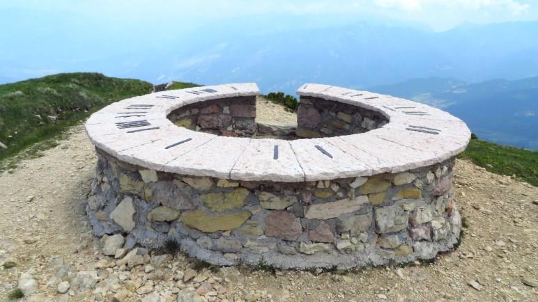 Dort soll es hingehen: Zum Steinkreis auf dem Monte Altissimo di Nago über dem Gardasee