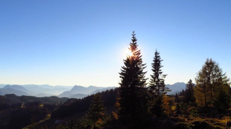 Die Sonne über dem Spitzstein