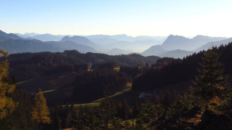 So ein Panorama bekommt man nicht alle Tage: Vom Spitzstein über das Inntal in die Zentralalpen