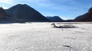 Könnte ein Salzsee in Utah sein, ist aber der Sylvensteinsee in Bayern