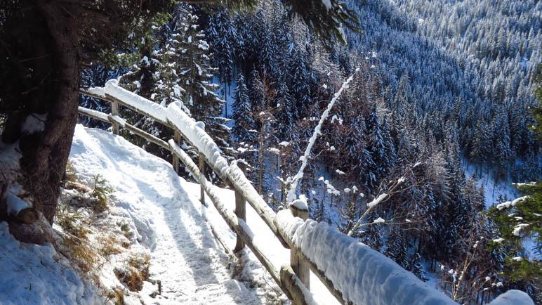 Der gesicherte Wegabschnitt im unteren Teil des Abstiegs