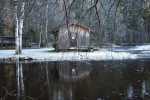 Die Hütte am Ufer des Hackensees