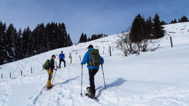 Am Beginn der Schneeschuhtour bei Unterjoch