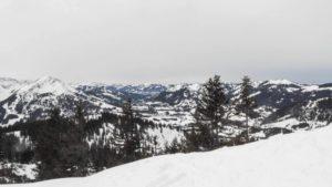 Auf dem Gipfel des Schönkahler, über den die Grenze verläuft. Allgäu, Tannheimer Tal