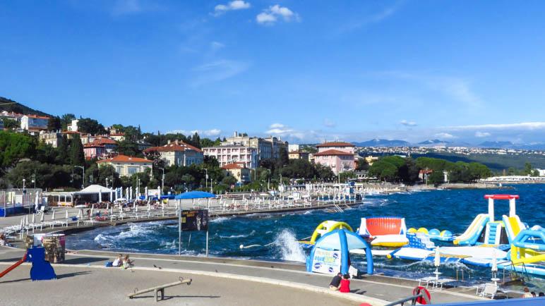 Am Strand von Opatija, im Zentrum der Stadt gelegen