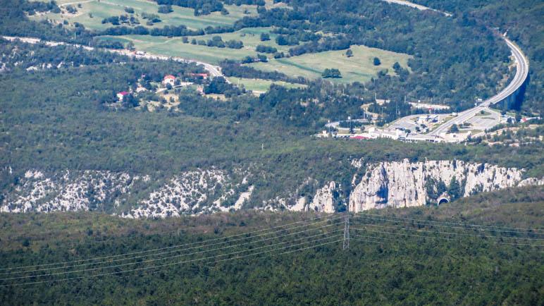 Die nahe gelegene Vela-Draga Schlucht