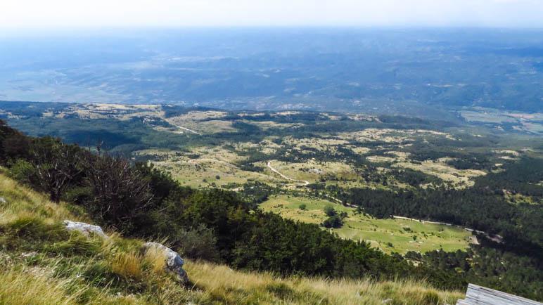 Ein Weitblick über das Hinterland von istrien