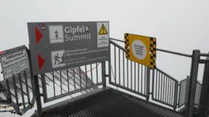 Hier beginnen der Weg zum Gipfel der Zugspitze und der Jubiläumsgrat