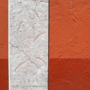 EIne ganz neue Wand in der Altstadt von Lazise