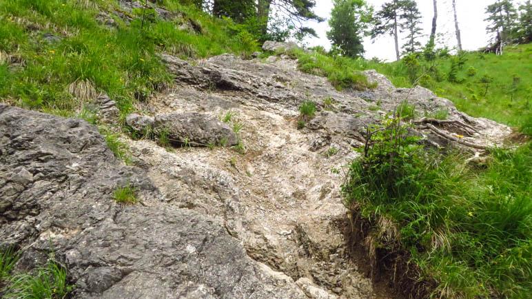 Felsige Aufstiege auf diesem Teil des Weges