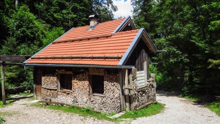 Die Wetzsteinmühle im Wald