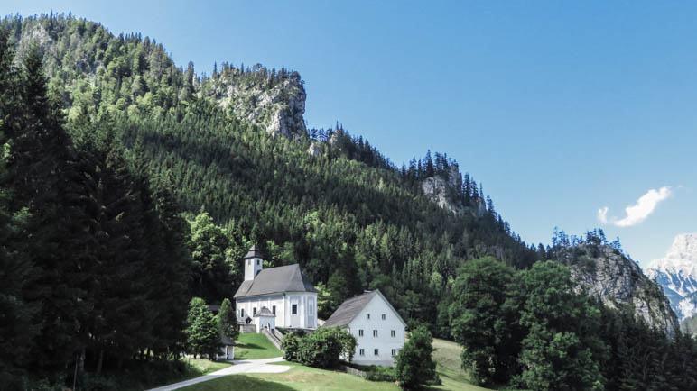 Auf dem Bergsteigerfriedhof von Johnsbach in der Steiermark