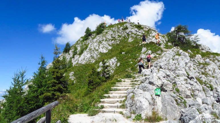Der Gipfelweg von der Aussichtsplattform zum Jennergipfel