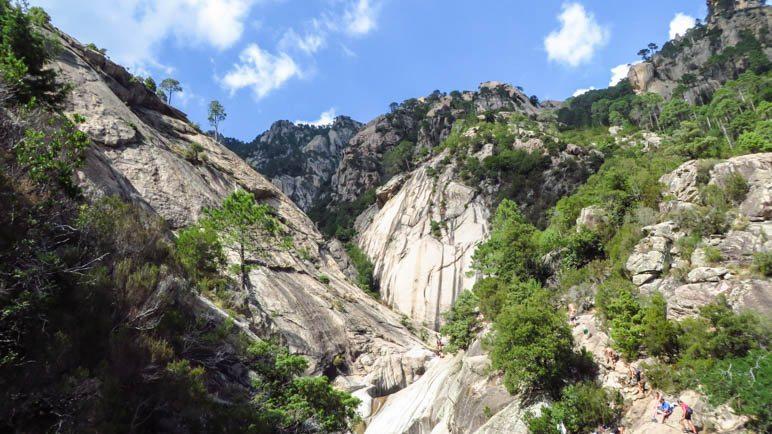 Der Talschluss kurz hinter dem oberen Purcaraccia-Wasserfall