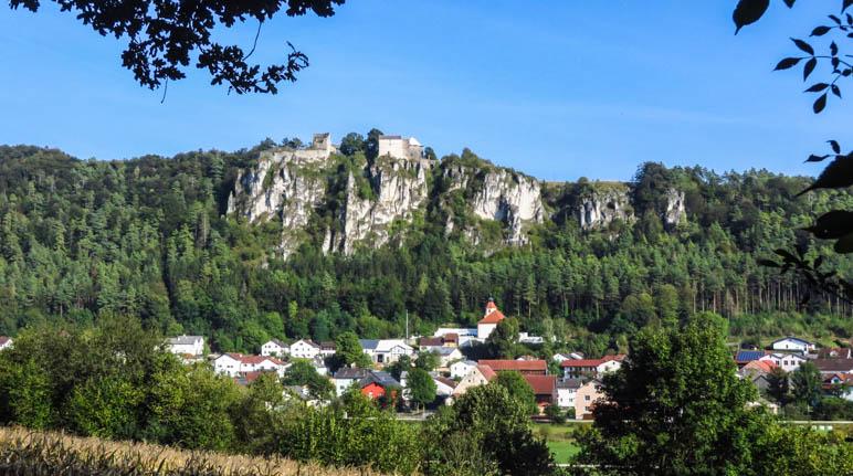 Auf dem Weg nach Arnsberg - oberhalb des Ortes liegt das Schloss