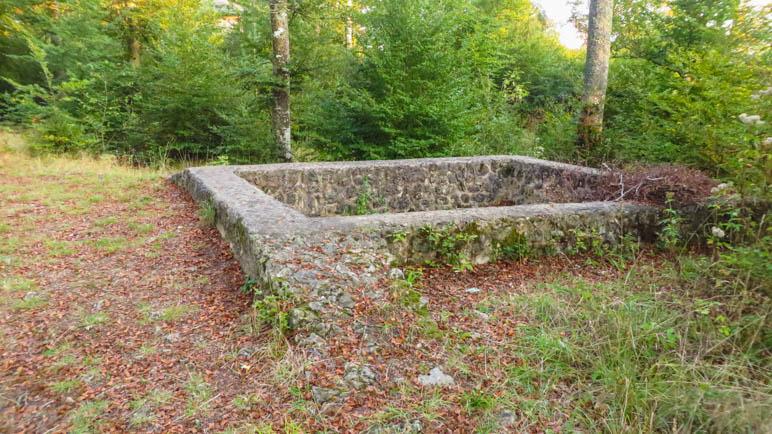 Die steinernen Fundamente eines Turms aus der Zeit der Römer
