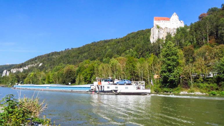 Schiffsverkehr. Manchmal sogar auf dem Main-Donau-Kanal