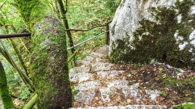 Die Treppe, die zur Engstelle führt