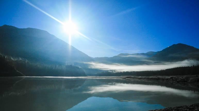 Am Sylvensteinsee, hier noch mit Sonne