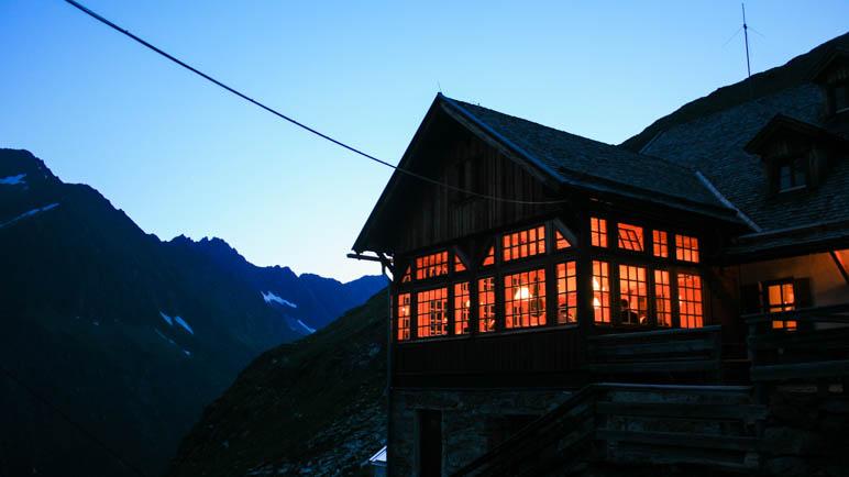 Abends am Furtschaglhaus in den Zillertaler Alpen