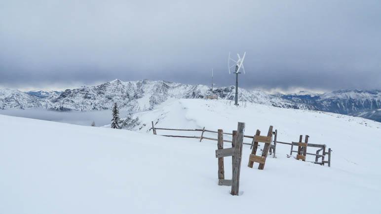 Mitten im Schnee: Das Rotwandhaus-Windrad