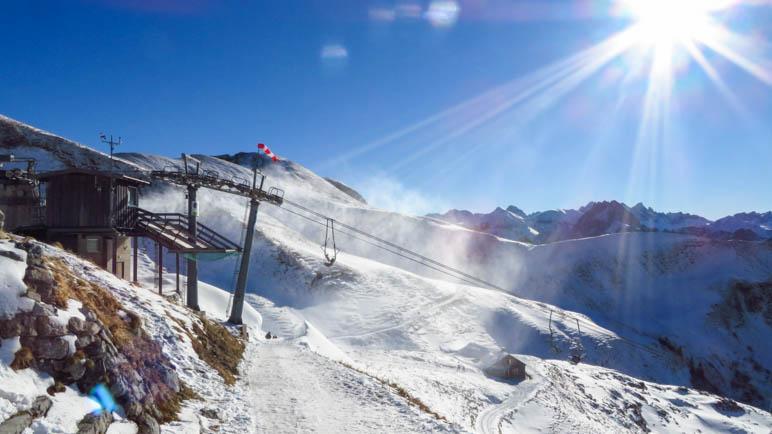 Am Beginn des Winterwanderwegs zum Zeigersattel