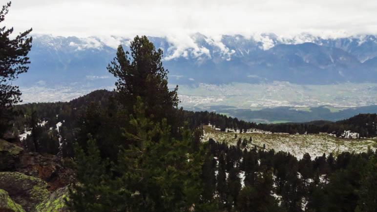 Ein wolkenverhangener Blick Richtung Nordkette