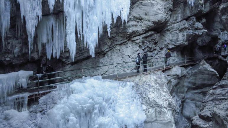 Eiszapfen in der winterlichen Breitachklamm