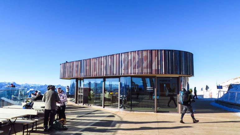 Das neue Nebelhorn-Gipfelhaus mit der großen Aussichtsterrasse