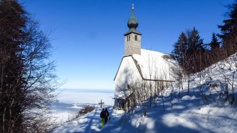 Das Ziel der Wanderung: Die Schnappenkirche oberhalb von Marquartstein