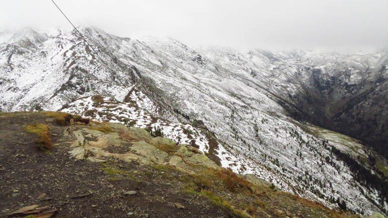 Der Blick von de Viggarspitze in Richtung Talschluss und Glungezer