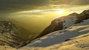 Der Blick auf das im Dunst liegende Oberstdorf