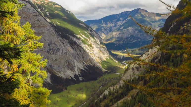 Der große Ahornboden von oben gesehen, vom Weg zur Binsalm aus