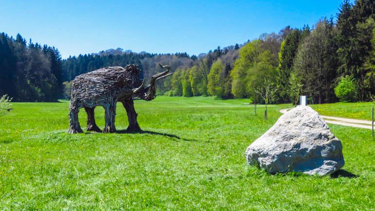 Das Mammut auf der Wiese im Westenbachtal