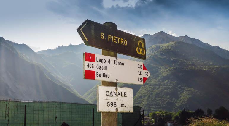 Wegweiser von Canale di Tenno zum Tennosee