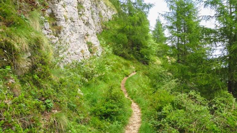 Auf den ersten Metern des Sentiero del Ventrar