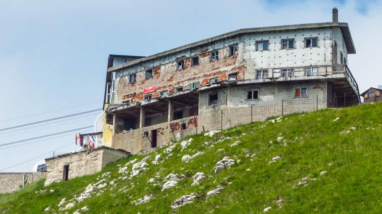 Das ehemalige Hotel nahe der Monte Baldo Bergstation steht zum Verkauf