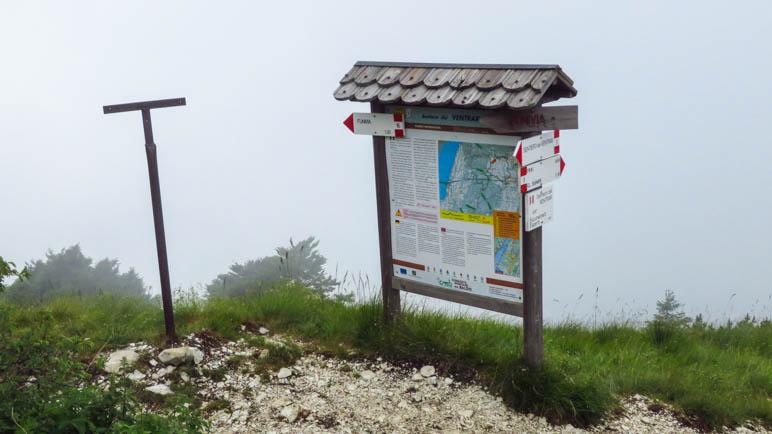 Am Ende des Sentiero del Ventrar kann man nach links zur Seilbahn abkürzen