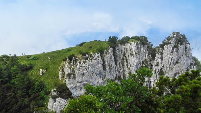 Wenn man diese Felswand sieht, ist der Sentiwero del Ventrar bald vorbei