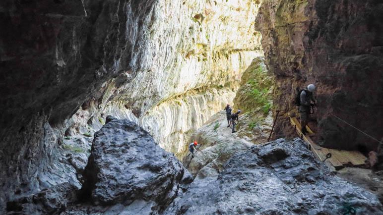 Ein großartiger Schluchten-Klettersteig: Via Ferrata Burrone Giovanelli bei Mezzocorona im Trentino