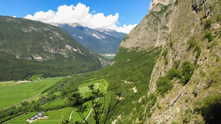 Tiefblick hat man nur im ersten Teil des Burrone Giovanelli Klettersteigs