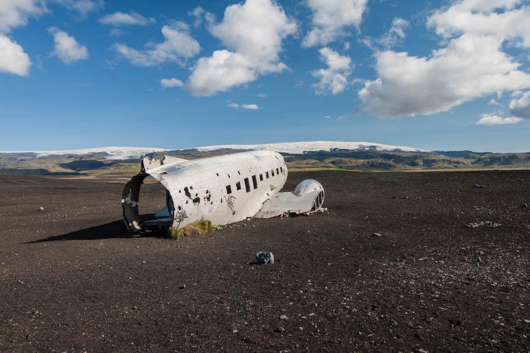 Das berühmte Flugzeugwrack am Strand von Sólheimasandur
