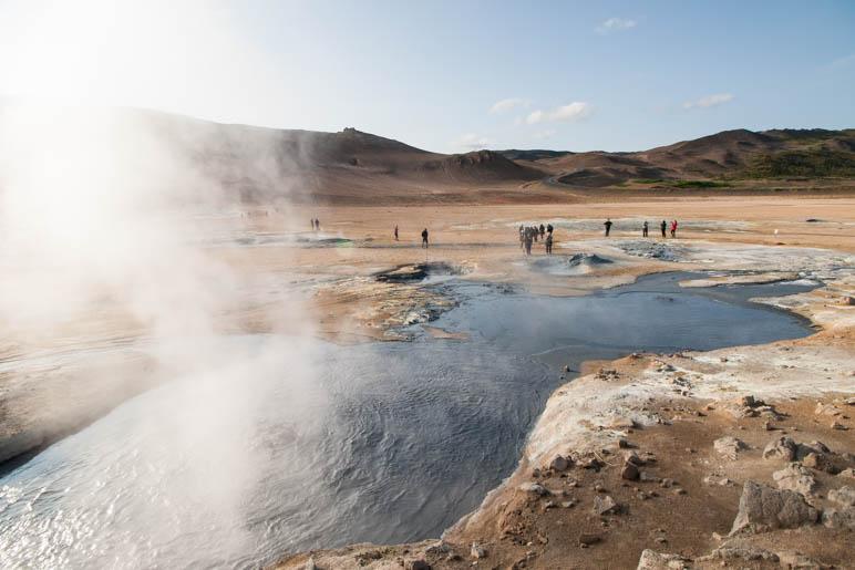 Heiße Quellen und Rauchtöpfe im Námafjall-Gebiet