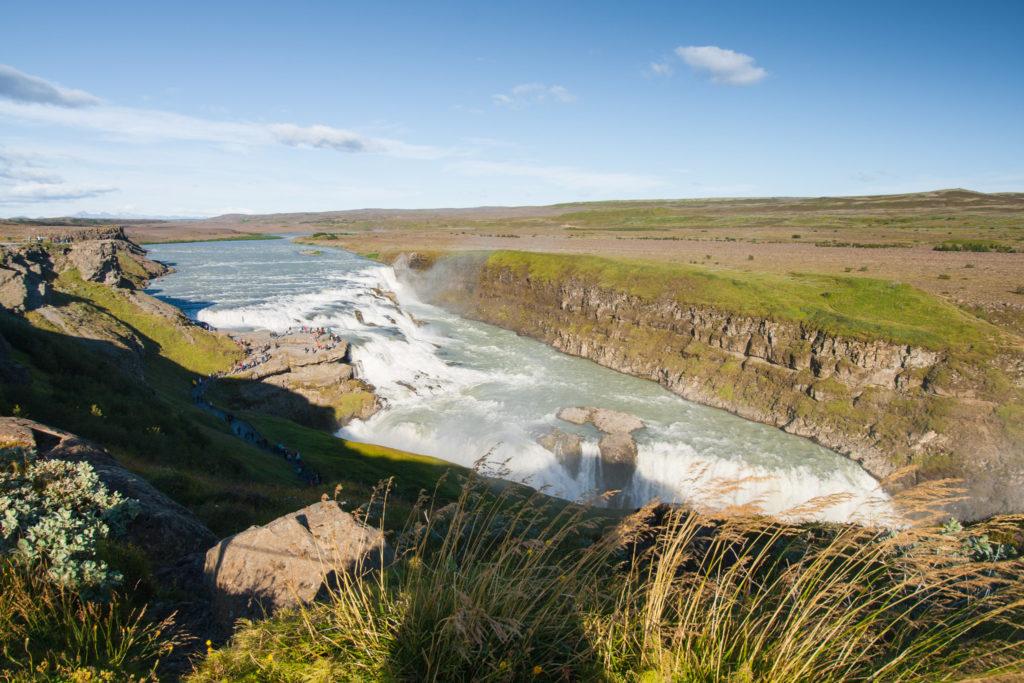 Der Gullfoss, der größte Wasserfall im Golden Circle