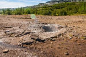 Der Litli Geysir. Man kann sich vorstellen, was Litli bedeutet