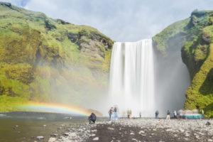 Interessante Effekte: Wasser und Menschen verwischen bei der Langzeitbelichtung